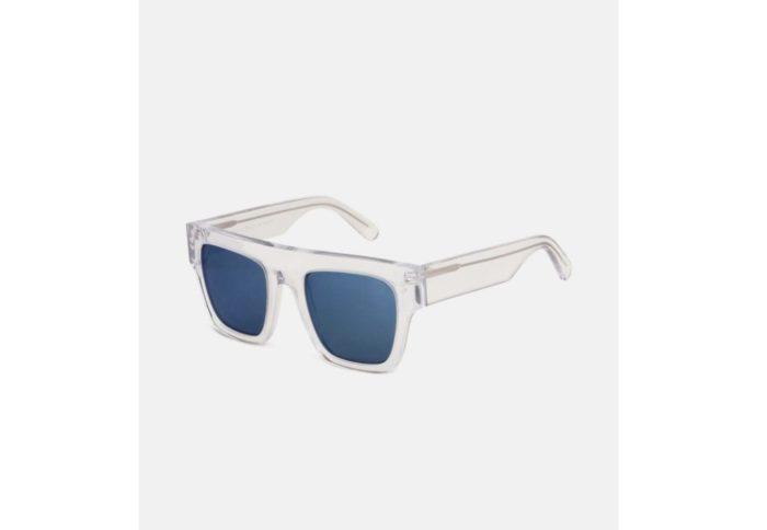夏にぴったりなサングラス/涼しげブルー系レンズやキャットアイ型など