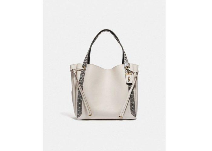 パイソン柄の6つの魅力バッグ/目を惹くアクセントを添えて♡