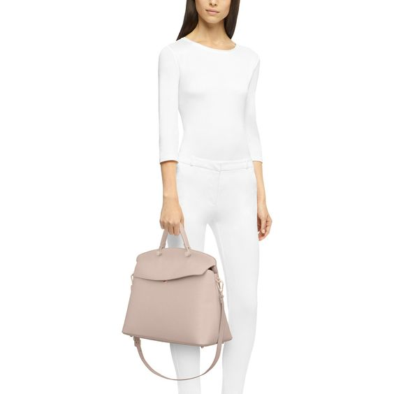 フルラのブランド紹介とバッグの特徴