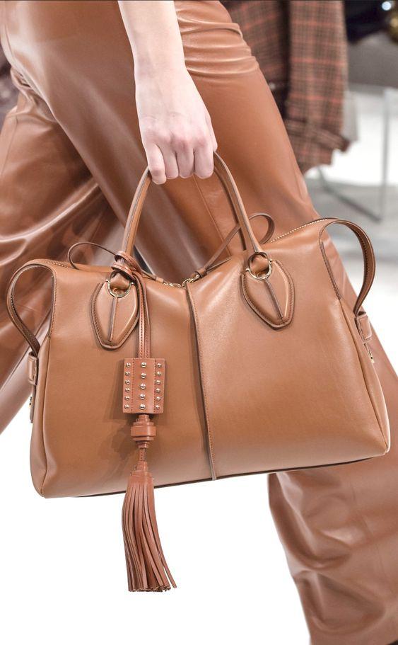 トッズのブランド紹介とバッグの特徴