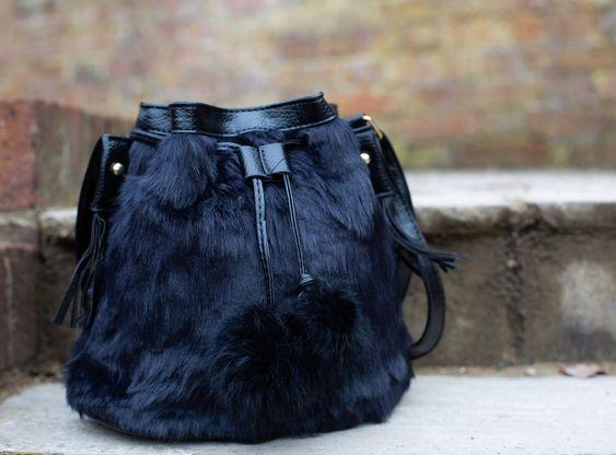 バケットタイプのファーバッグ