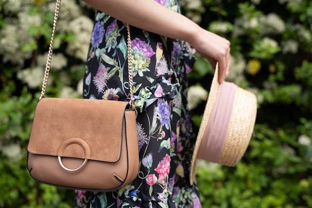 高見えするバッグが持つ特徴とは