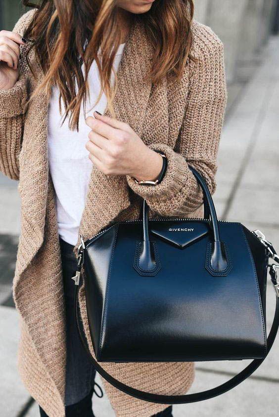 ジバンシィ ブランド紹介とバッグの魅力